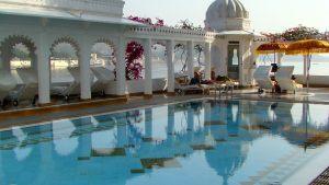 lake-palace-pool